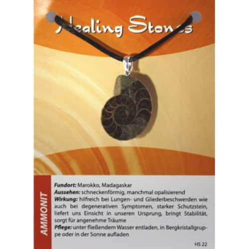 von Hand gefertigte, hochwertige und besondere Edelsteinkette aus Ammonit mit Seidenband und Erklärungskarte. Ein Unikat aus Marokko, Madagaskar.