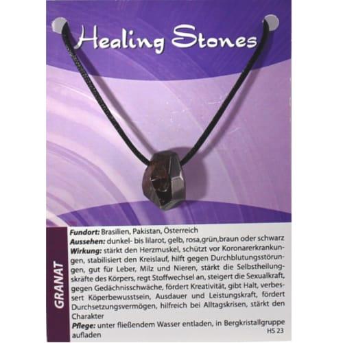von Hand gefertigte, hochwertige und besondere Edelsteinkette ausGranat mit Seidenband und Erklärungskarte. Ein Unikat ausBrasilien, Pakistan, Österreich.