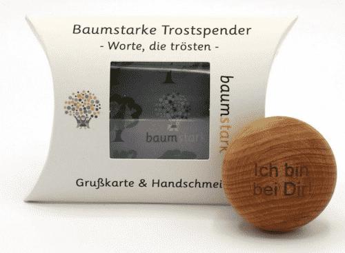 Grußkarte - Box mit Handschmeichler Eibe - Trostspender - Ich bin bei Dir - Holz - Geschenk - Vorderseite